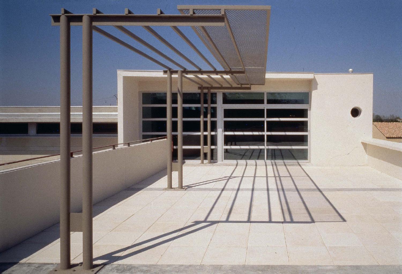 terrasse - Bibliothèque départementale de Saint-Rémy-de-Provence - TAUTEM Architecture
