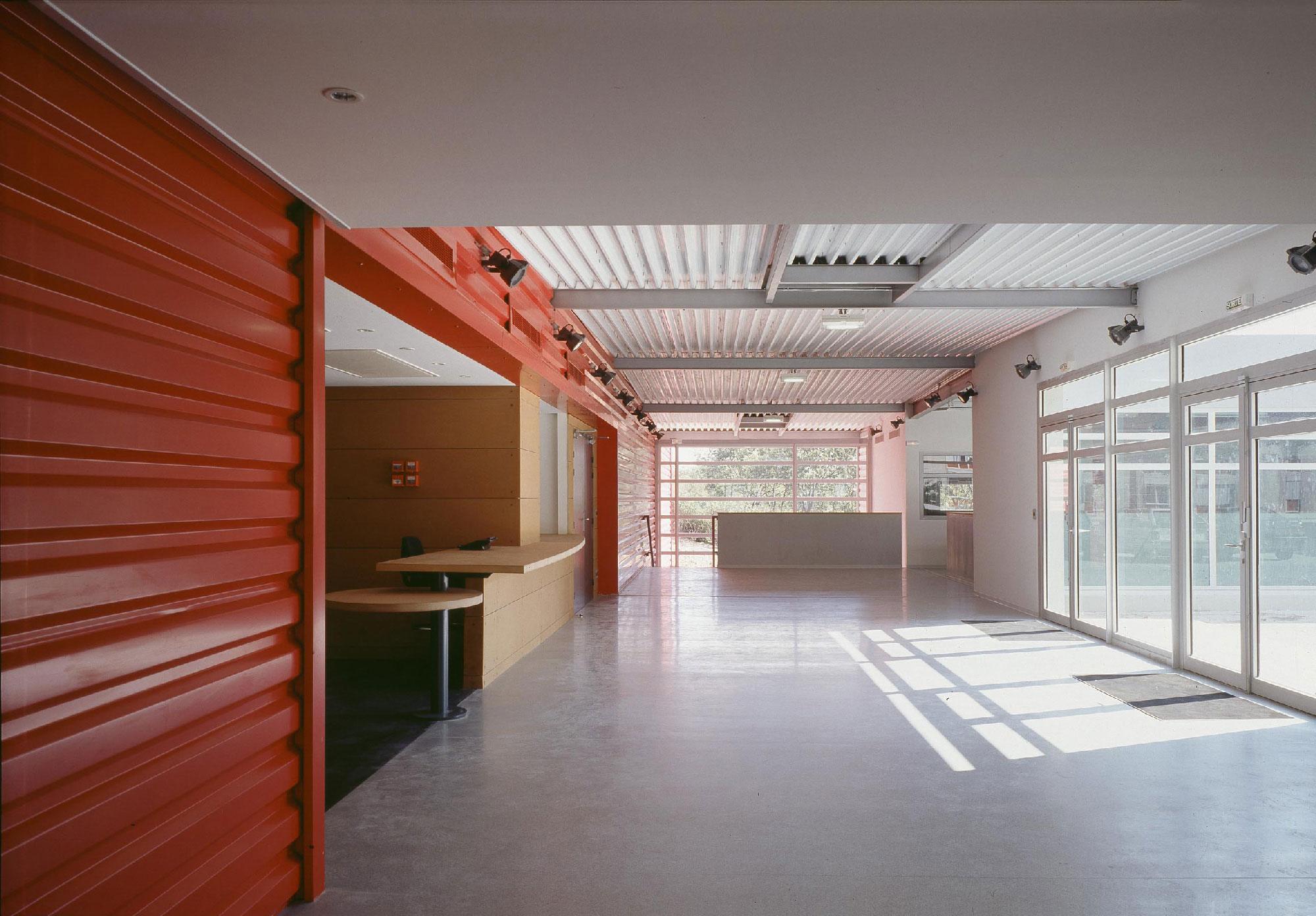 Centre social culturel et sportif de Valdegour - Nîmes - TAUTEM Architecture - Hall d'entrée