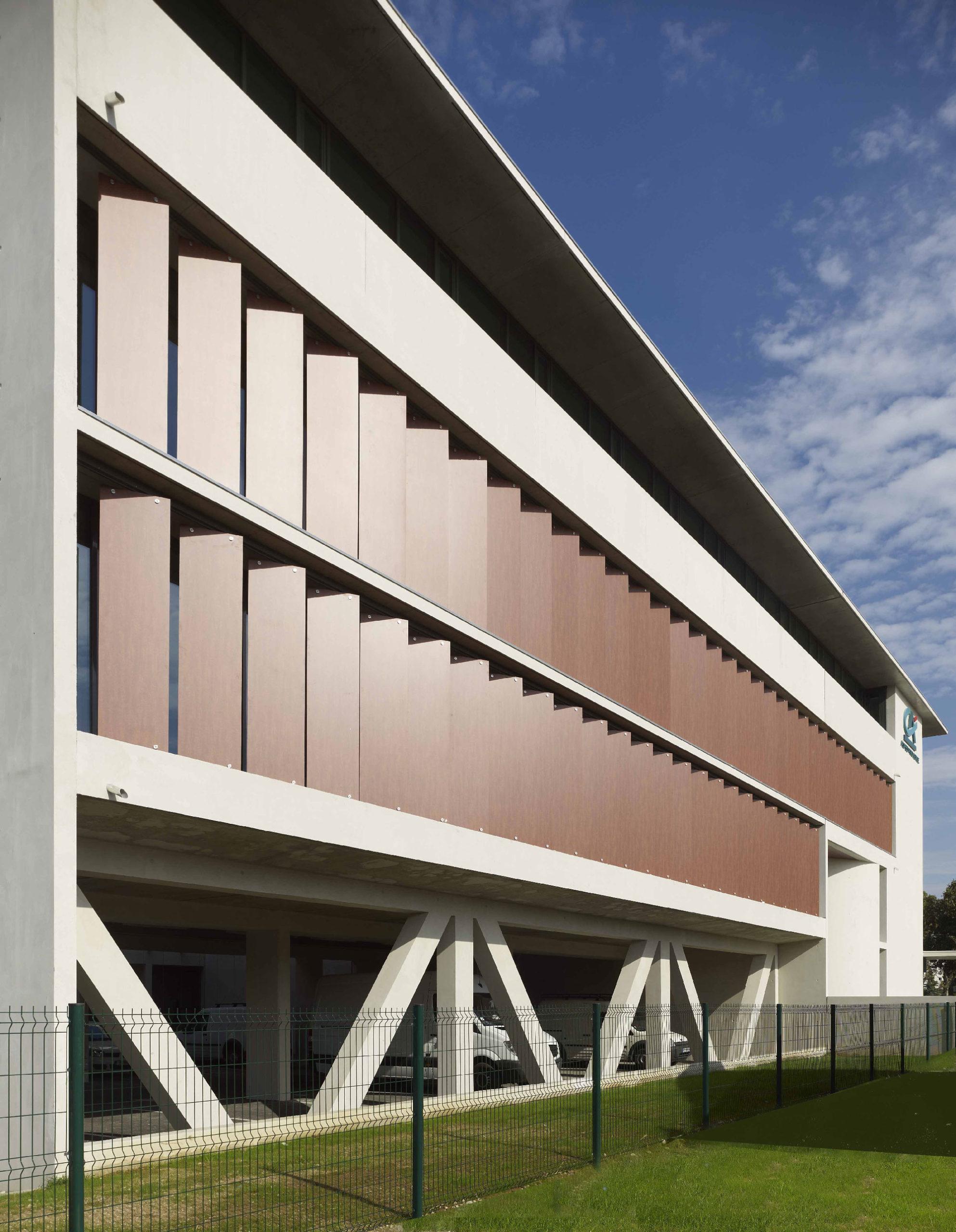 Crédit agricole l'Amandier - Avignon - TAUTEM Architecture - détail de façade