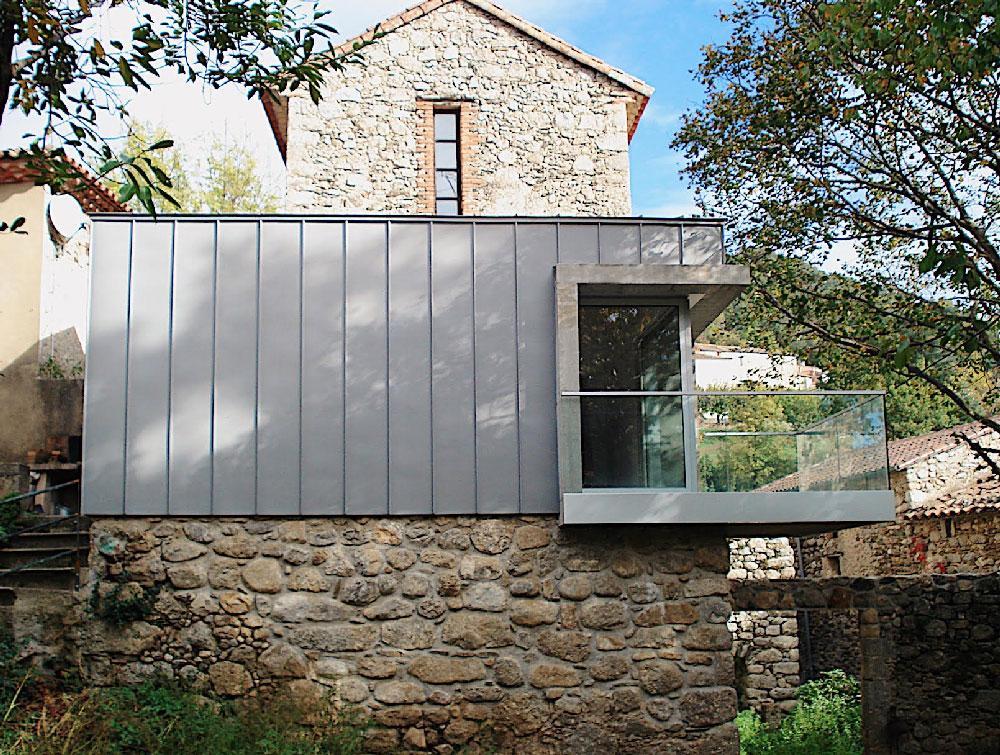 Détail de façade- extension d'une maison au Vigan - Gard - TAUTEM Architecture