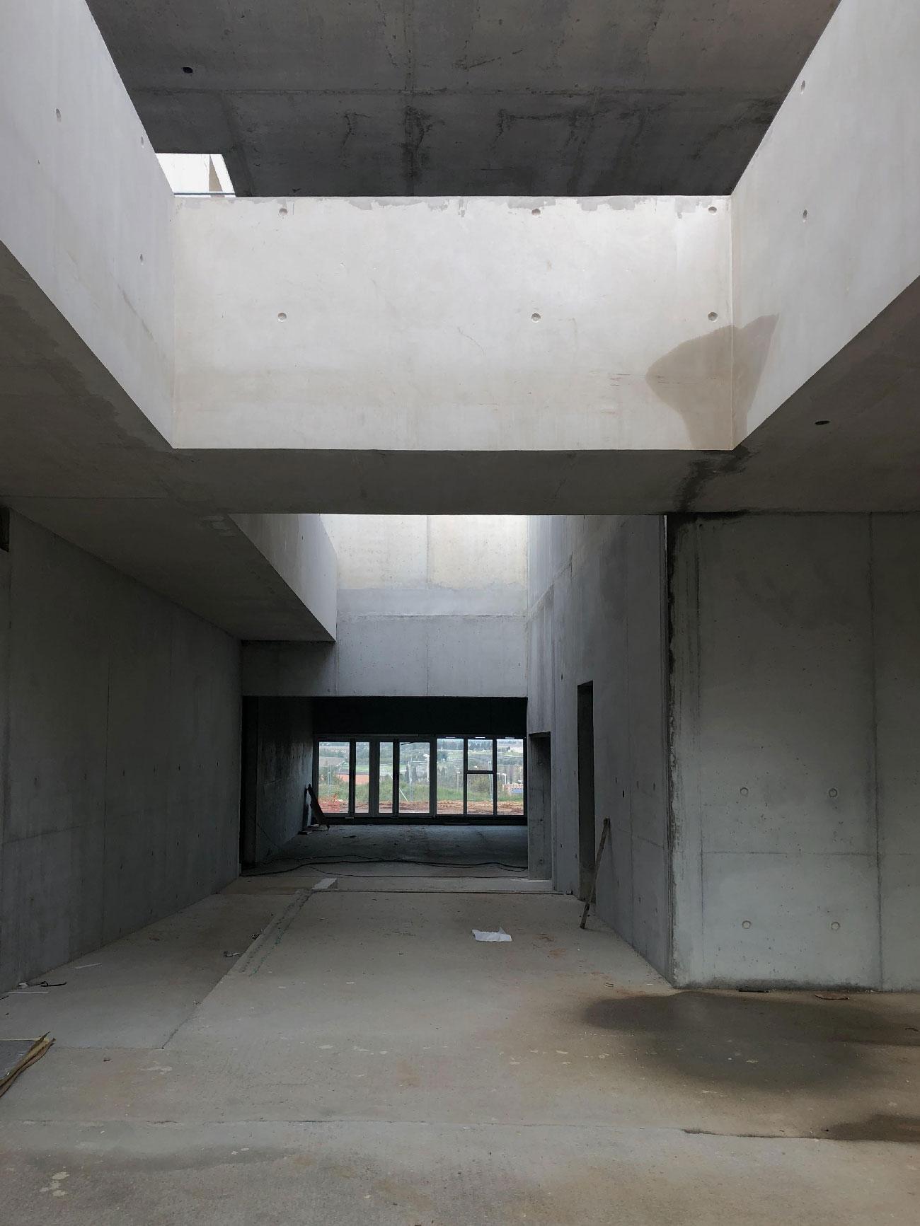 Chantier du centre culturel et associatif de Bellegarde (30) - atrium - TAUTEM Architecture