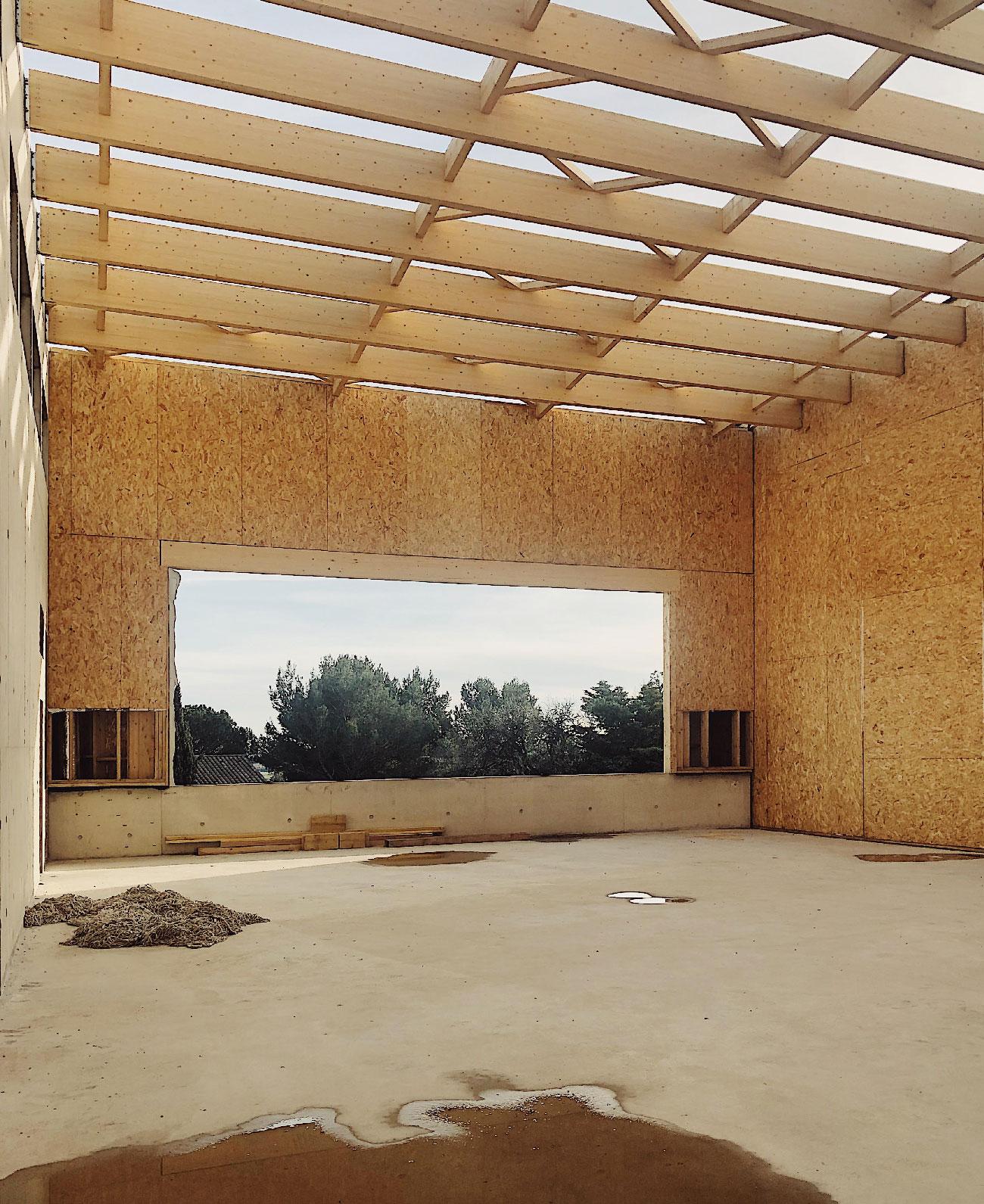Centre culturel et associatif de Bellegarde (30) - chantier - salle de danse - structure bois - TAUTEM Architecture