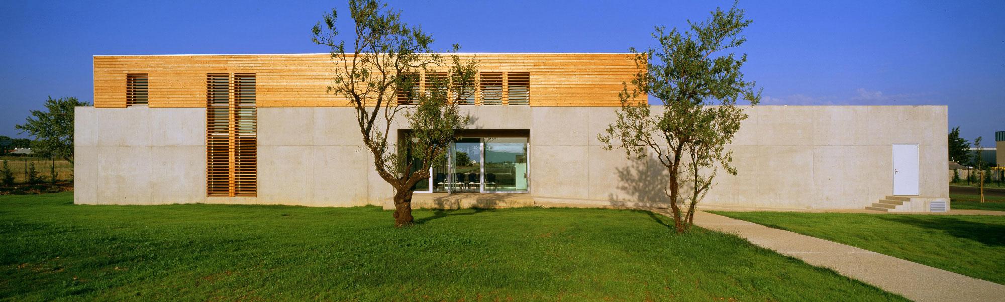 Centre des examens des permis de conduire de Nimes - TAUTEM Architecture - plan large