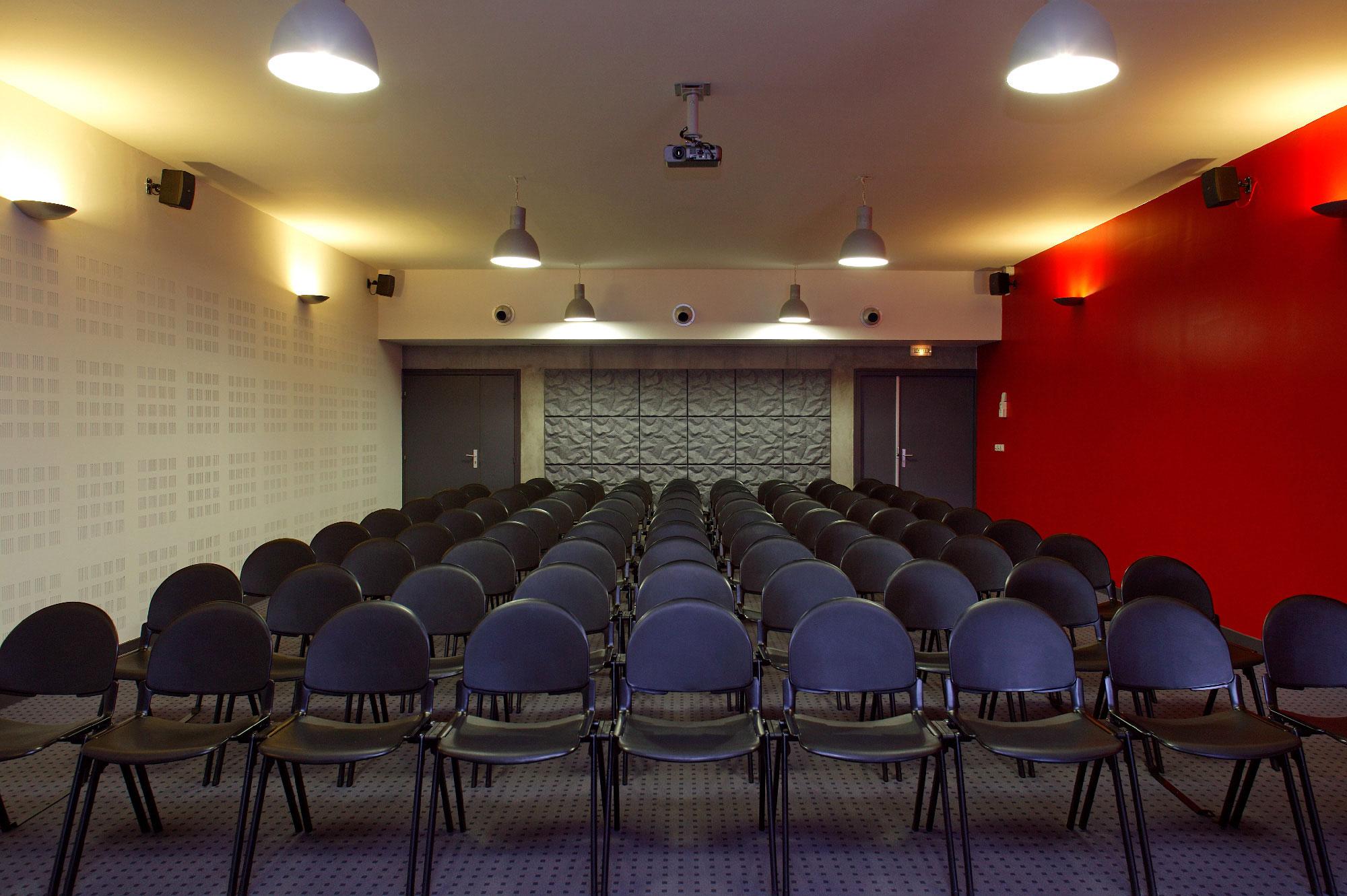 Centre des examens des permis de conduire de Nimes - TAUTEM Architecture - salle d'examen