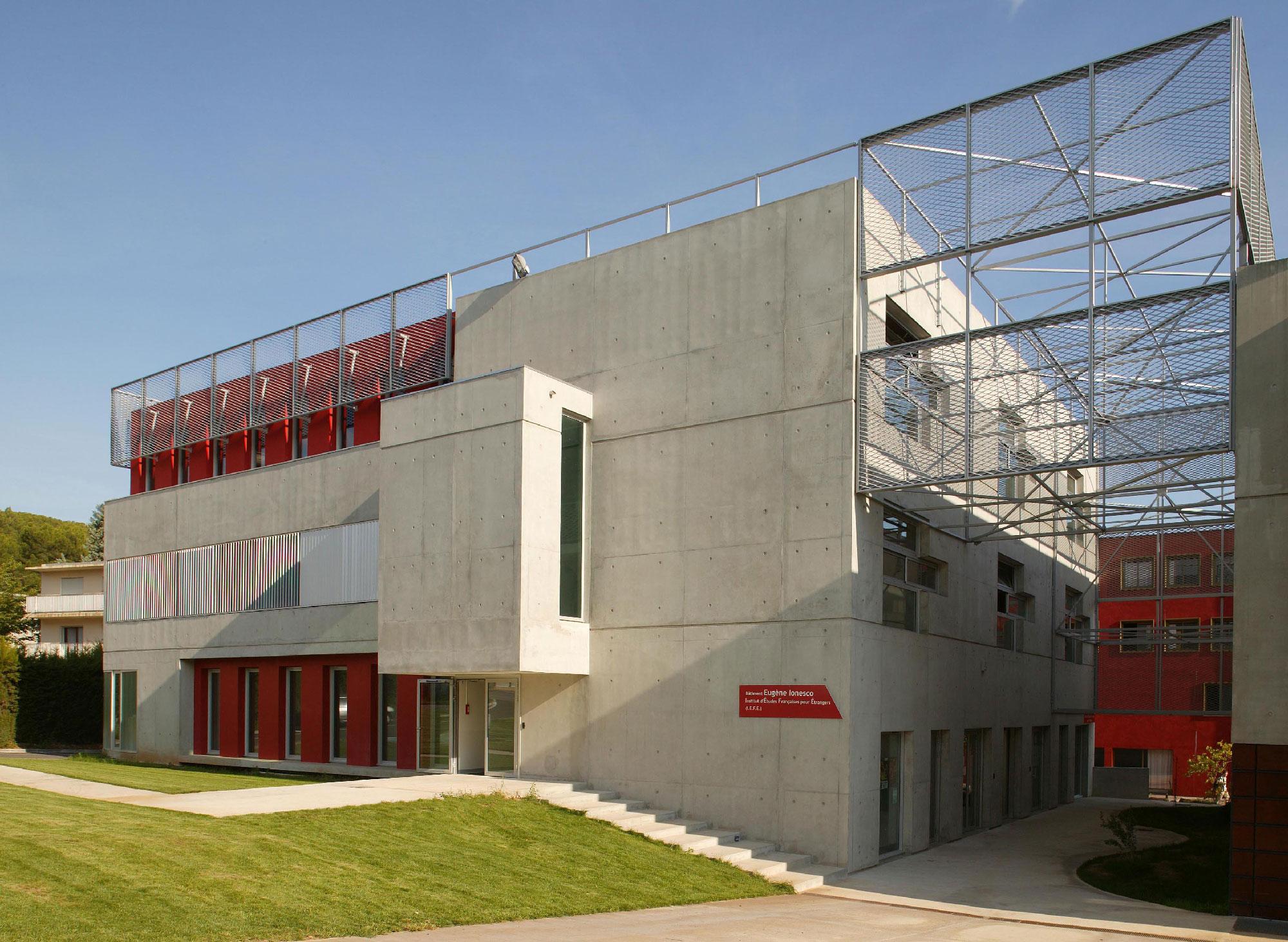 Façade - Institut d'études françaises pour étrangers – Eugène Ionesco - Montpellier - TAUTEM Architecture