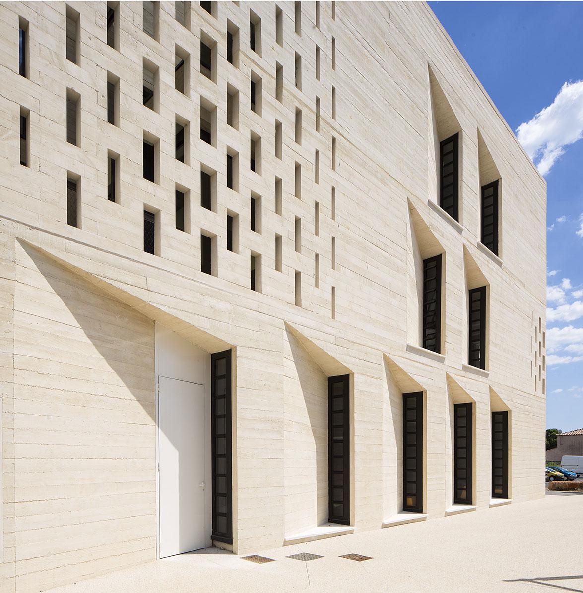 Tautem architecture - mediatheque Montaigne Frontignan détail de façade
