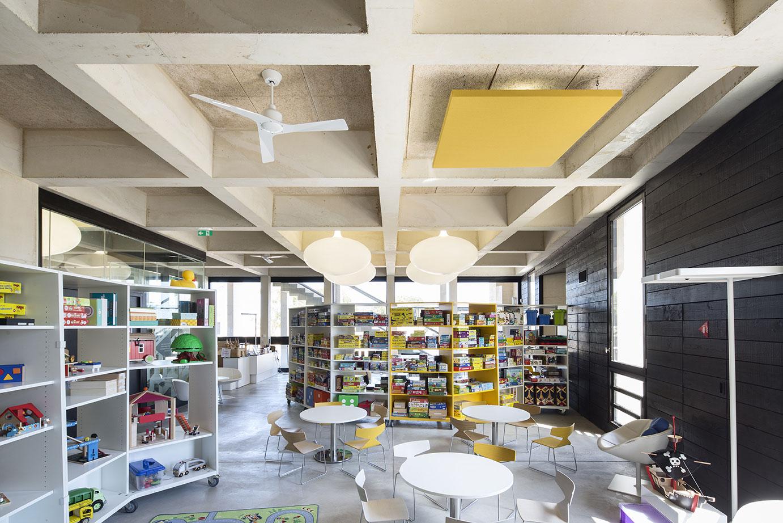 Tautem architecture - mediatheque Montaigne Frontignan - ludothèque