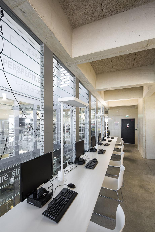Tautem architecture - mediatheque Montaigne Frontignan - point presse
