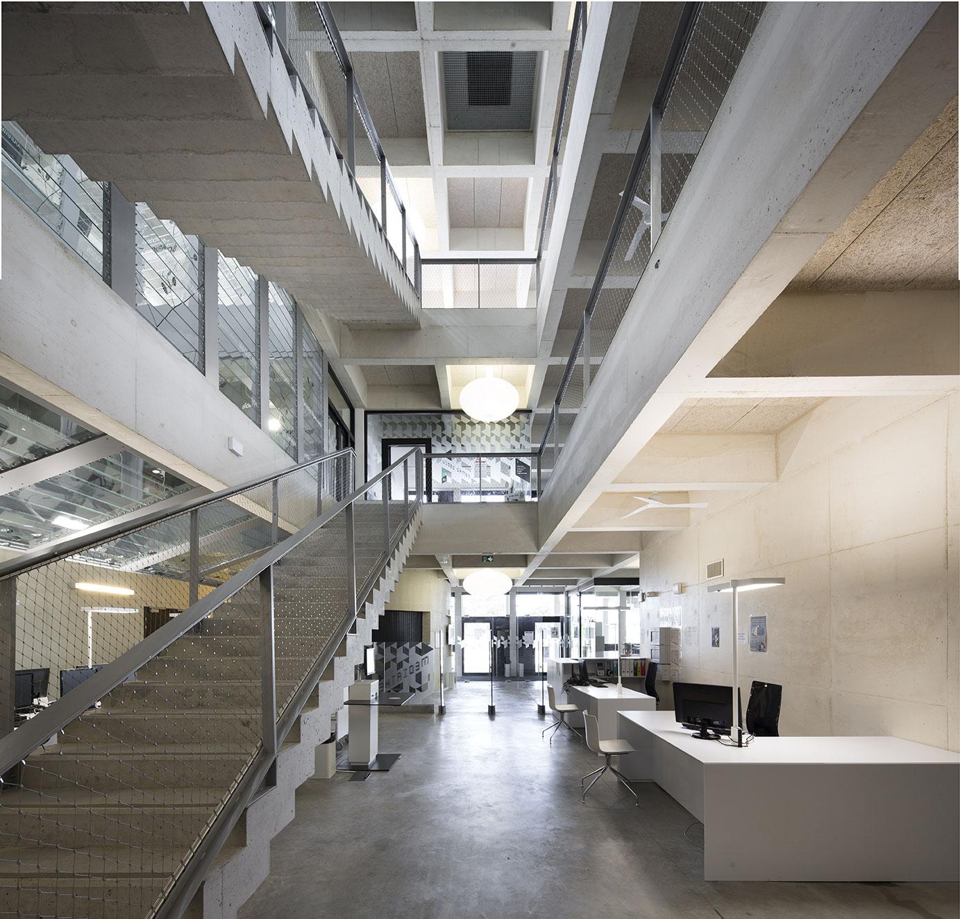 Tautem architecture - mediatheque Montaigne Frontignan - détail architectural