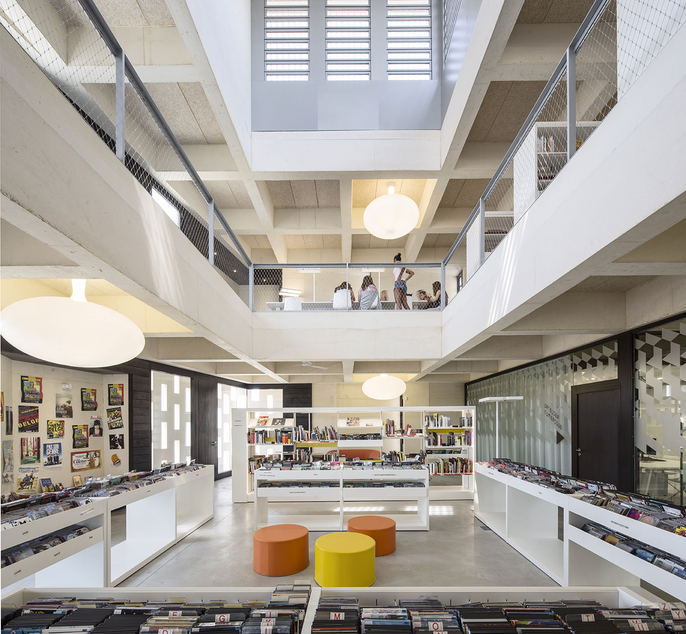 Tautem architecture - mediatheque Montaigne Frontignan - atrium